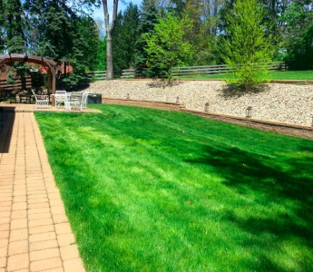 Galati Landscaping back yard retaining wall